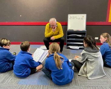 Murray leading a workshop with Year 5-6 students at Raureka School, Hastings.